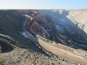 The Super Pit - produces 800,000 ops of gold per year